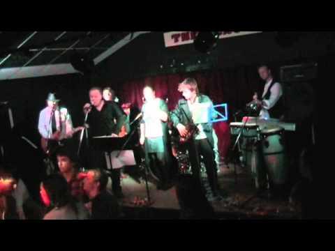 The Random Chords - Valerie - YouTube