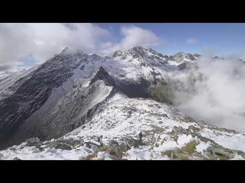 Balea lake to Negoiu peak