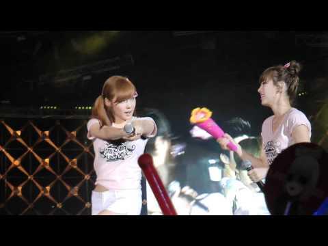 100911 SNSD Taeyeon Adorkable Taeng dancing @ SMTown Shanghai 2010