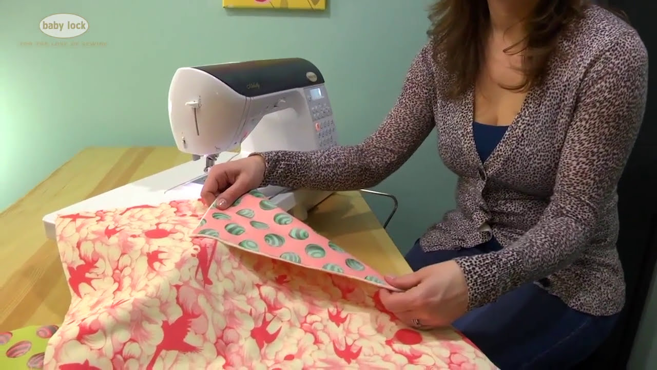 Free Motion Quilting with a Sewing Machine - YouTube : freehand quilting with sewing machine - Adamdwight.com