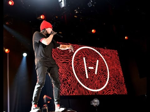 twenty one pilots: Holding On To You (iHeart Live)