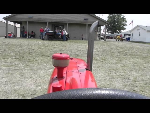 International Harvester W 450 Farm Tractor | International