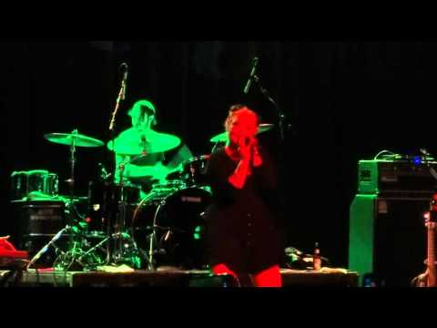 Elle King - Slim Shady (Eminem Cover) - Live at Majestic Theater in Detroit, MI on 1-27-16