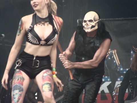 Lizzy Borden - Age Of Glory (Cover Lady Gaga) + There Will Be Blood Tonight HELLFEST 2012