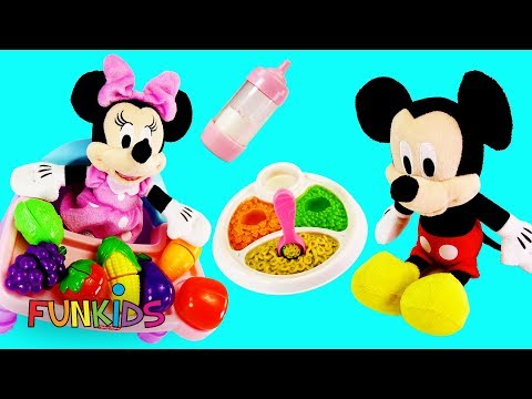Fun with Disney Mickey & Minnie Mouse in High Chair