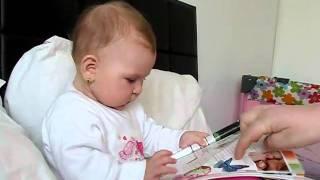 Video Baby Amalia reading-9 luni download MP3, 3GP, MP4, WEBM, AVI, FLV Agustus 2017