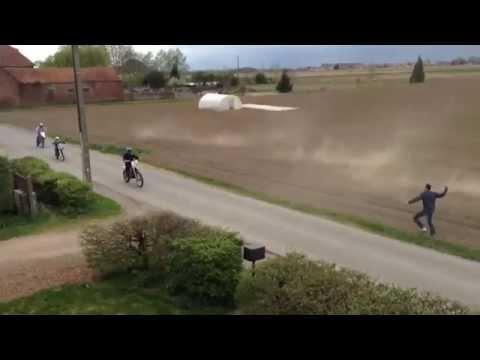 Agriculteur Vs Motocross