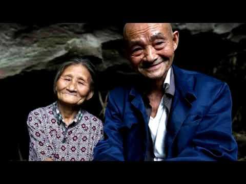Видео: ЛЮБОВЬ В ПЕЩЕРЕ, ВЛЮБЛЕННЫЕ 60 ЛЕТ ЖИЛИ В ПЕЩЕРЕ
