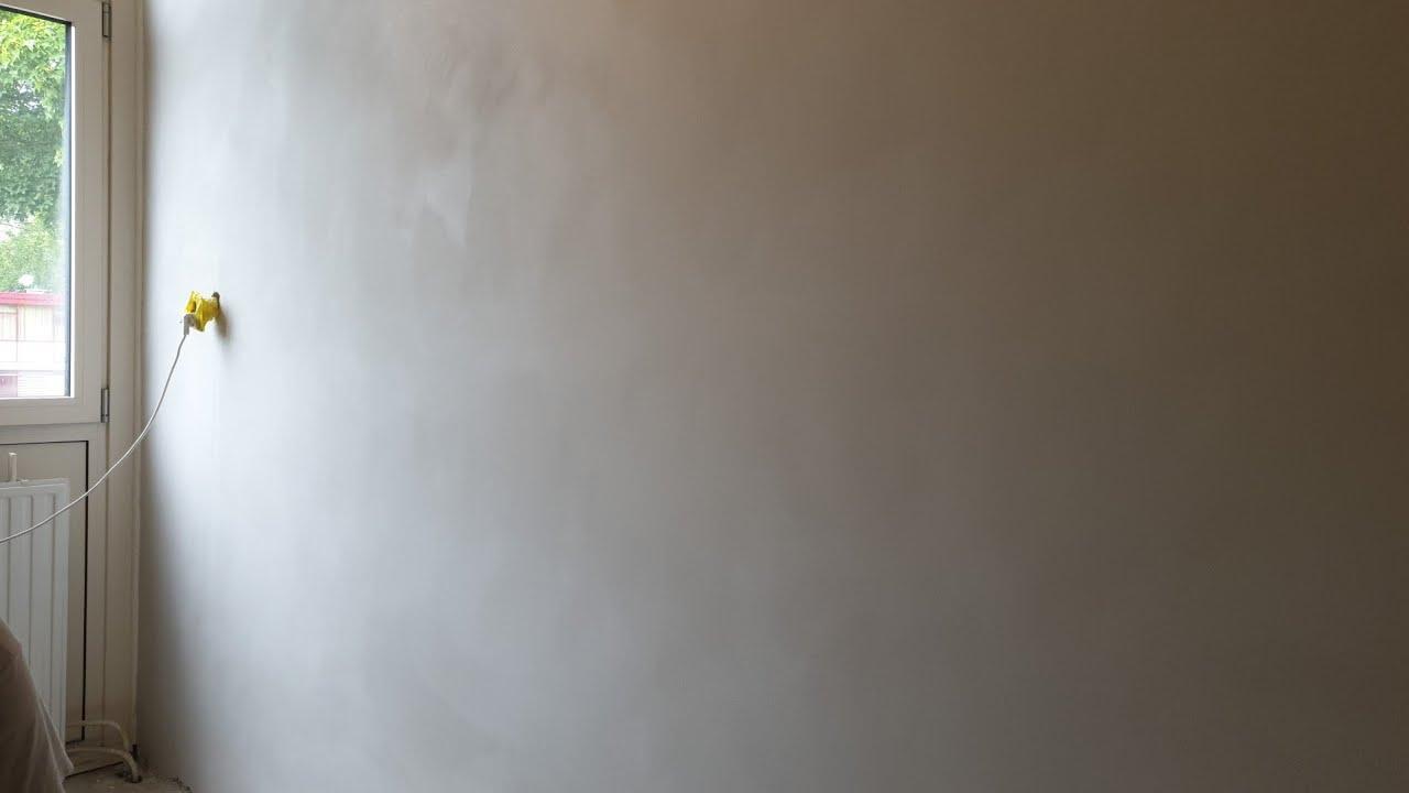 hoe je een muur vlak maakt met knauf en welk gereedschap