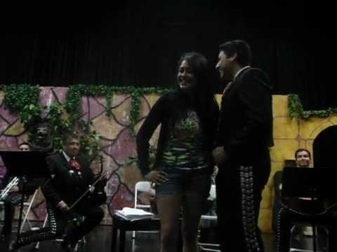 Cindy Luna and Niko Terra Tu Retirada