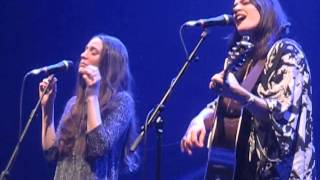 The Staves - Solid Gone (Live @ Hammersmith Apollo, London, 16/12/14)