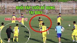 Quang Hải ôm bụng cười ngặt ngẽo, Thầy Park vỗ mông Thành Chung đau điếng buổi tập tại Bali