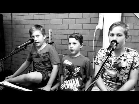 Proud Mary Cover with The Banana brothers starting up practices again !