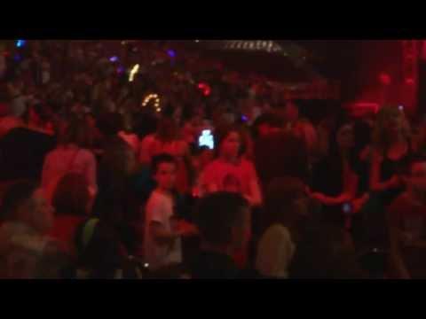 Taylor Swift  2013-05-07 Louisville Kentucky  State of Grace - opening 12 minutes KILLER HD