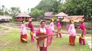 Oud Girl from Malaysia-Ampuk ampuk Bulan- (Fauziah)