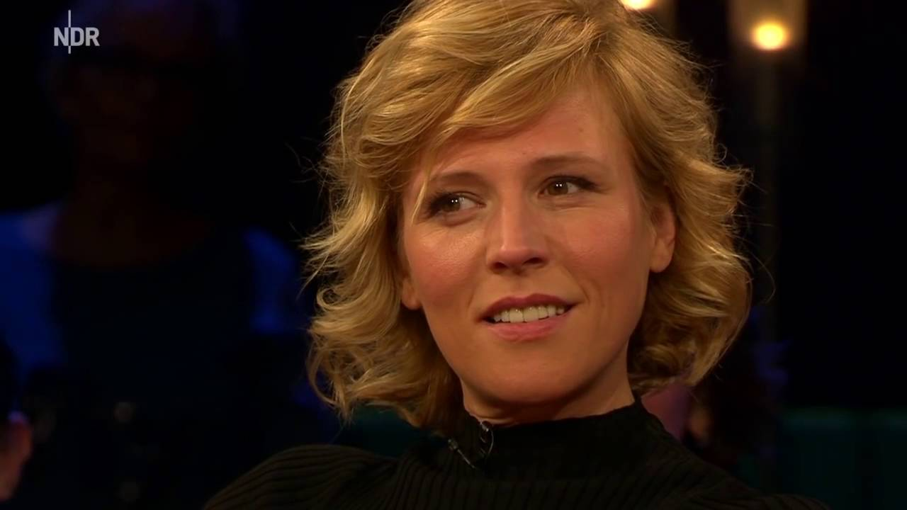 Barbara Schöneberger interviewt Martins Brandl (NDR Talkshow 2016)