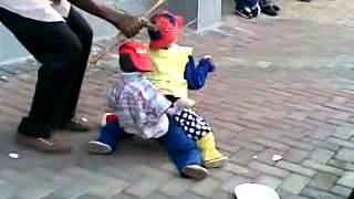 Dancing reggae puppets