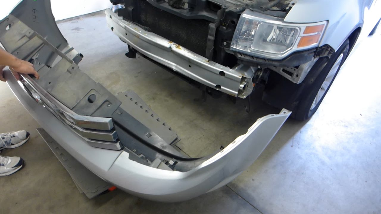 Ford    Flex Front Bumper Cover and Reinforcement Removal