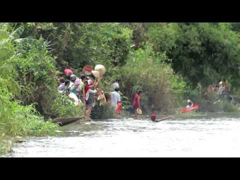 [30/08/2012]Clip 4 - Lễ hội bơi đua thuyền truyền thống trên sông Kiến Giang