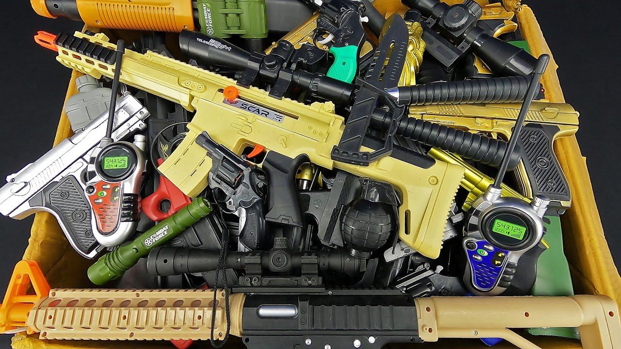 Dozens of Equipment, Only Injury Toy Sniper Rifle And Black Mini Capsule Detonator Pistol