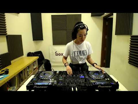 Danny Scrilla & A/K/A Sounds - Krunk Guest Mix live from boxout.fm HQ