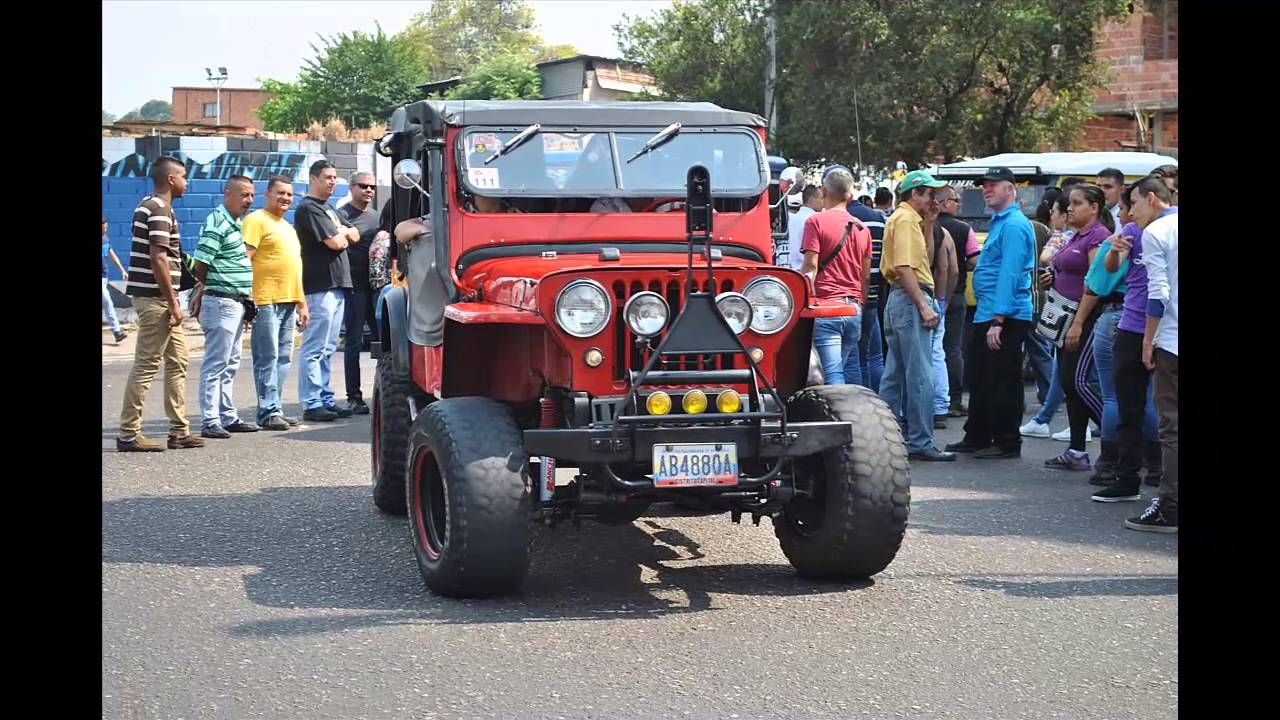 Carros antiguos clasicos feria de san sebasti n venezuela for Modelos de sofas clasicos
