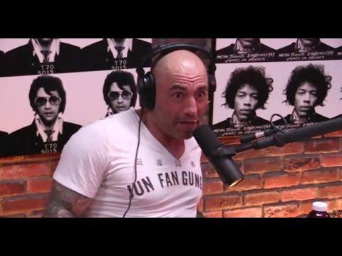 """BARACK OBAMA IS ATTRACTED TO MEN"" - Alex Jones Tells Joe Rogan In Insane Rant"
