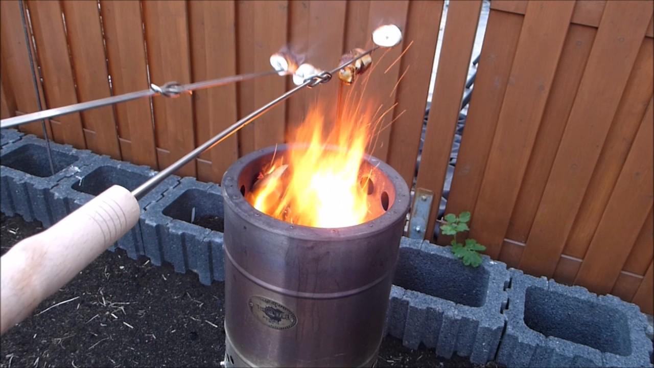 marshmallow grillen ber dem feuerhand pyron youtube. Black Bedroom Furniture Sets. Home Design Ideas