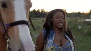 Getty Up (Official Video)- Honey Banks ft Chriss Bellinger & Nik. Directed By:JohnDallasFilms