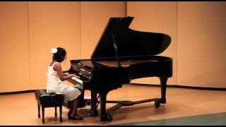 Suzuki Piano School Book Volume 4 No.7 Gavotte en Rondeau Suite played by Jazmin Giles
