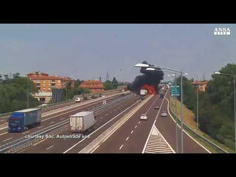 Esplosione Cisterna A1 Bologna