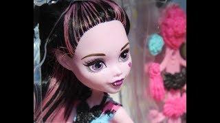 Распаковка и обзор куклы Дракулаура серия Parti Hair