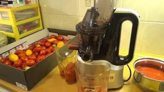 Томатный сок на зиму с помощью шнековой соковыжималки. Эп.№104.