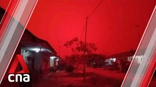 Haze in Indonesia causes sky to turn red over Jambi province