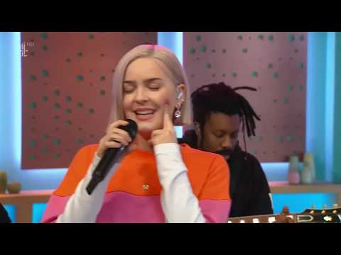 Anne-Marie - Perfect To Me LIVE At SundayBrunch