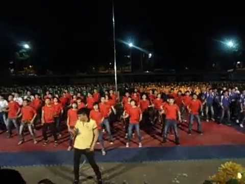 Đồng diễn Múa dân vũ Té nước Thái Lan