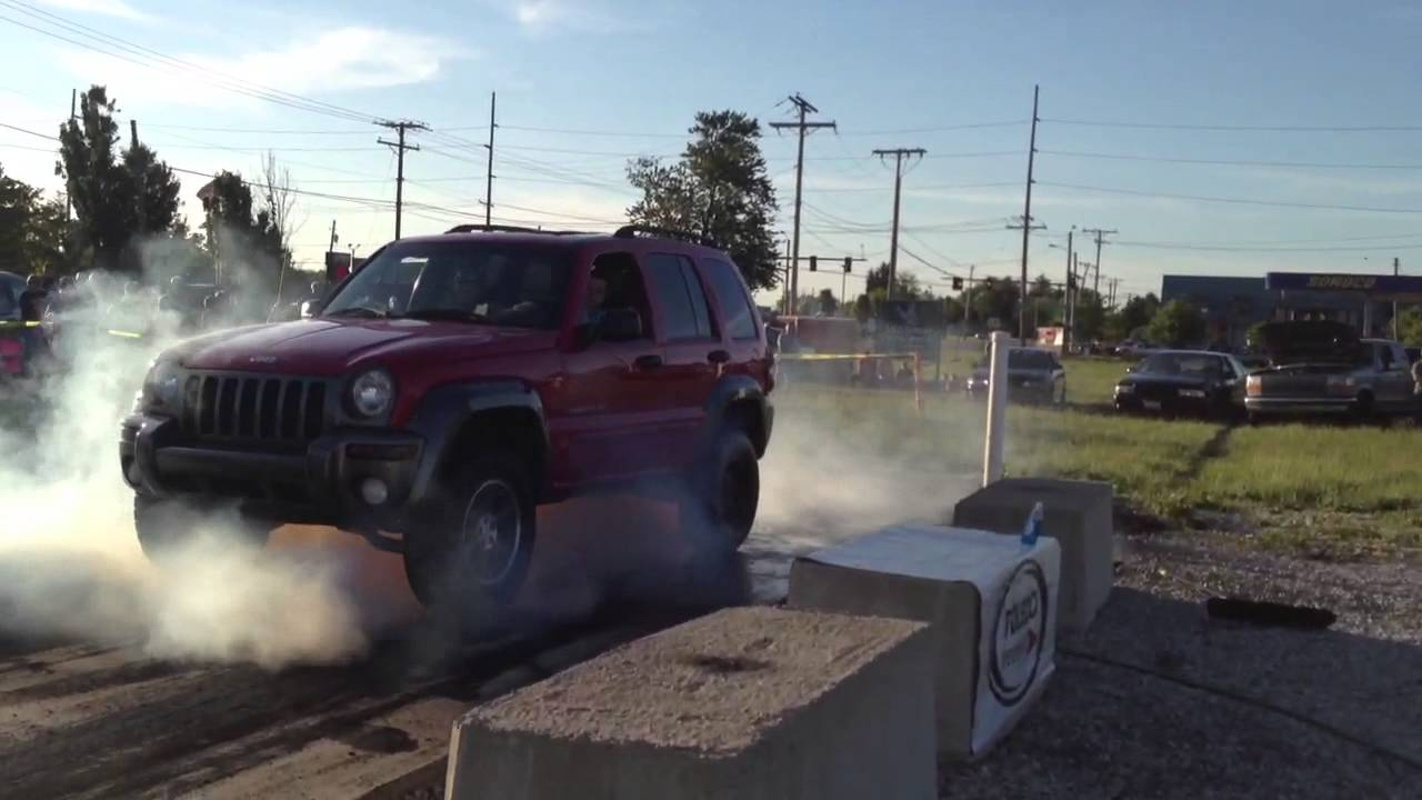 Lift Jeep Liberty Blows Rearend During Burnout Contest