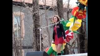 Анна Медкова исполняет песню Две ладошки