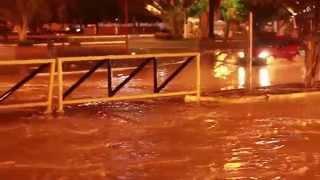 Chuva em Remanso alaga praça Manoel Firmo Ribeiro