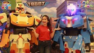 Ka Emily Berfoto bersama Tobot X dan Y - Asta And Kidz