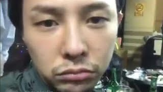 Video G DRAGON INSTAGRAM LIVE WITH YG FAMILY !!! SEUNGRI IS THERE TOO !!! download MP3, 3GP, MP4, WEBM, AVI, FLV Maret 2018