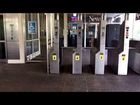 Jefferson Park Transfer (CTA Blue Line to Metra UP-NW Line)