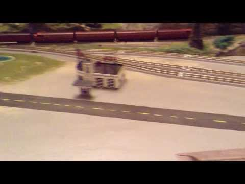 Z SCALE LAYOUT WITH ROKUHAN TRACK BY RG TRAIN LAYOUTS