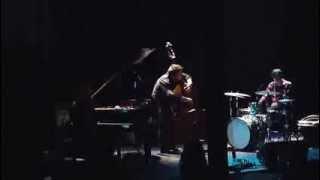En Corps (Eve Risser / Benjamin Duboc / Edward Perraud) en concert à Charleroi le 11 mai 2013