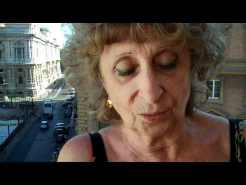 Lydia Biondi presenta Sister Cousin Aunt.mp4