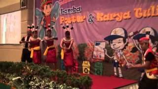 TARI BARASIH (Perpaduan Tarian Tradisional Dari Kalimantan Tengah)