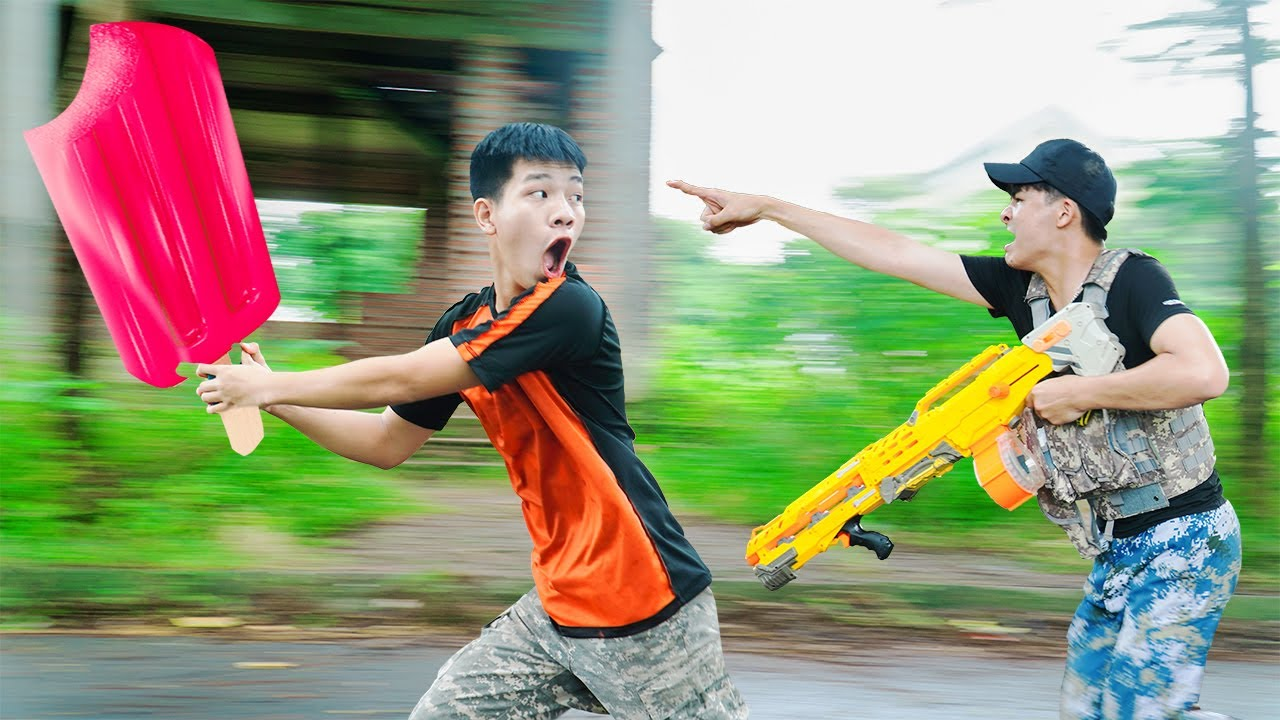 Battle Nerf War: Delivery Man & Blue Police Nerf Guns Robbers Group COCONUT CREAM BATTLE