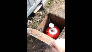 видео Шкафы для хранения газовых баллонов на даче или в частном доме