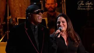 "Stevie Wonder, Gloria Estefan  ""What A Wonderful World"" live"