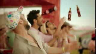 Özcan Deniz & Sıla Coca Cola